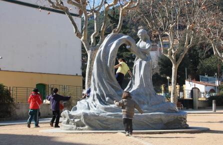Monumento a la Puntaire de Arenys de Munt
