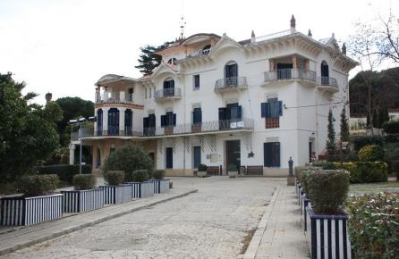 Casa modernista Vil·la Flora de Canet de Mar