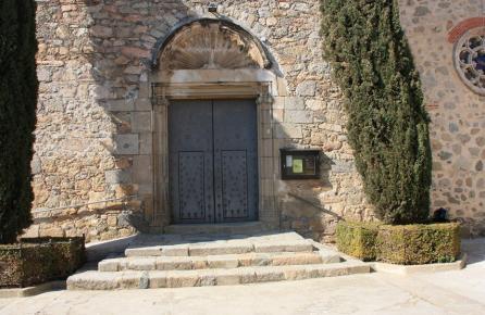 Porta de l'Església de Dosrius