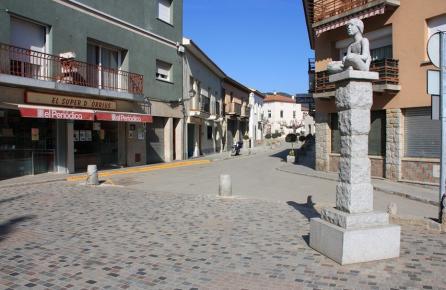 Carrer al centre urbà d'Orrius
