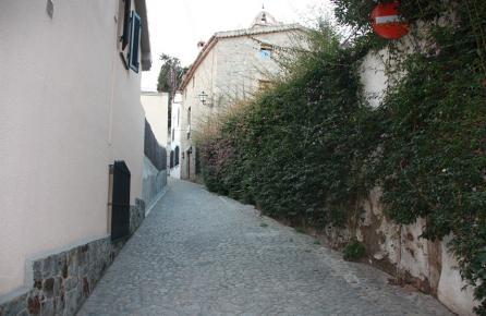 Calle en el barrio antiguo de Premià de Dalt