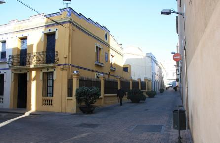 Calle en el barrio antuguo de Premià de Mar
