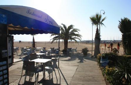 Terraza en la playa de Premià de Mar