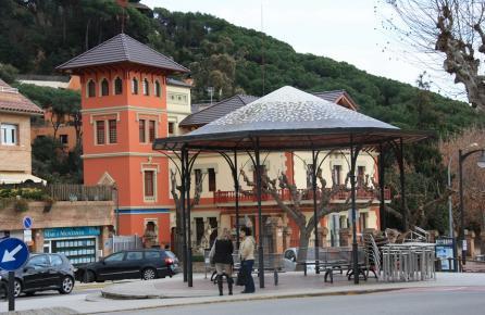 Pèrgola al centre de Sant Andreu de Llavaneres