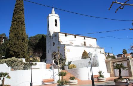 Vista de l'Església de Sant Cebrà de Vallalta