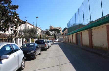 Carrer en el centre urbà de Sant Iscle de Vallalta