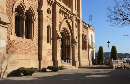 Entrada de l'Església de Sant Cebrià de Tiana